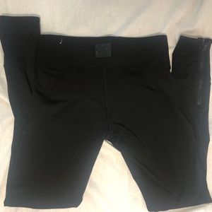 VS PINK ultimate yoga pants size small